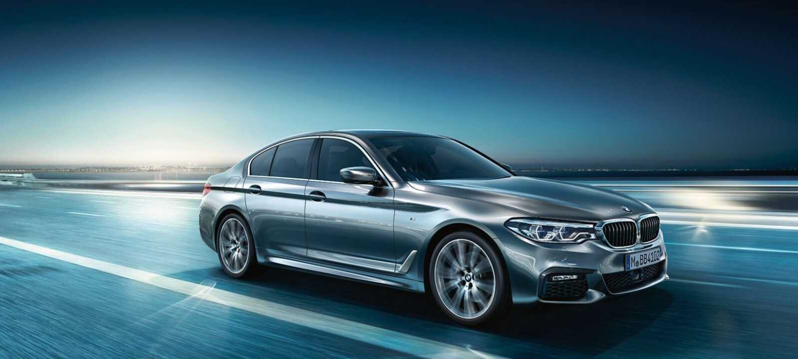 BMW-5series-sedan-ataglance-ts-XXL-desktop